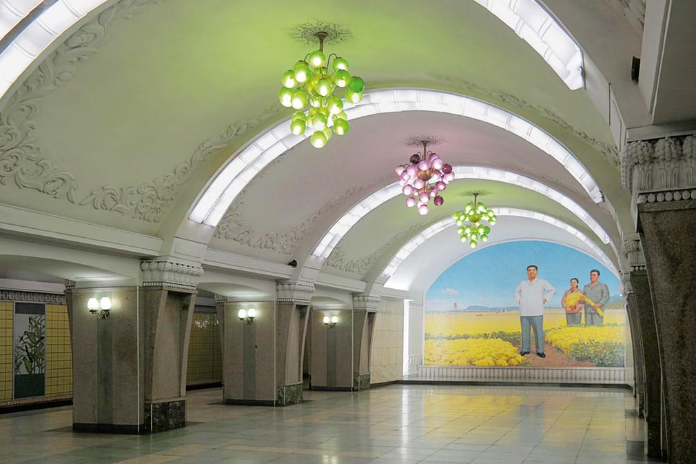 با عمیقترین متروی جهان آشنا شوید +عکس