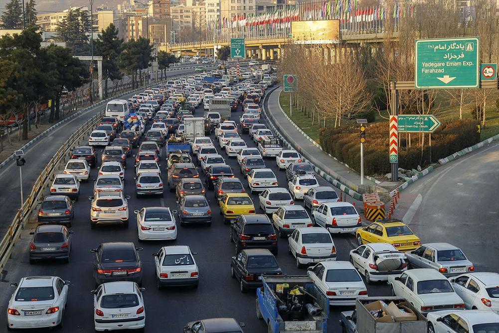 گره افزایی در ترافیک شهری، با اعمال وارونه شهرداری