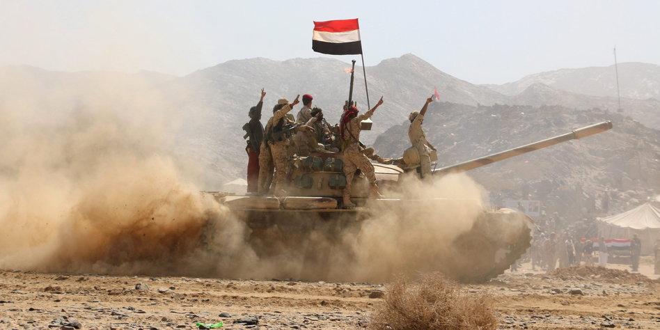 پیشروی نیروهای ارتش و رزمندگان انصارالله در جنوب عربستان؛ اسارت چند تن از نظامیان آل سعود در استان عسیر