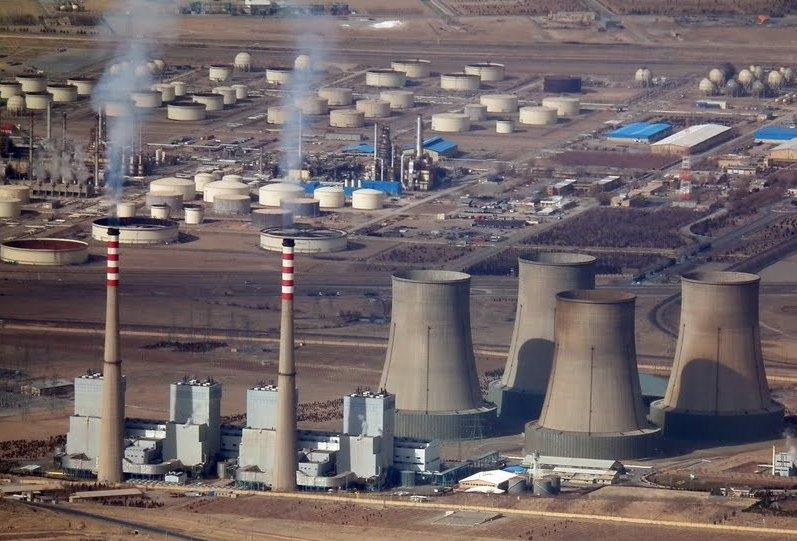 اجرای ۳۰۰ قرارداد جاری صنعت برق متوقف شد