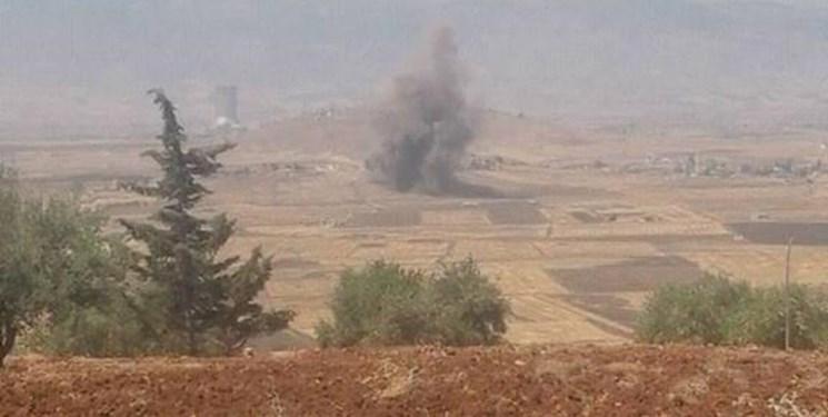 حملات هوایی گسترده ارتش سوریه به مواضع تروریستها در ادلب و حماه