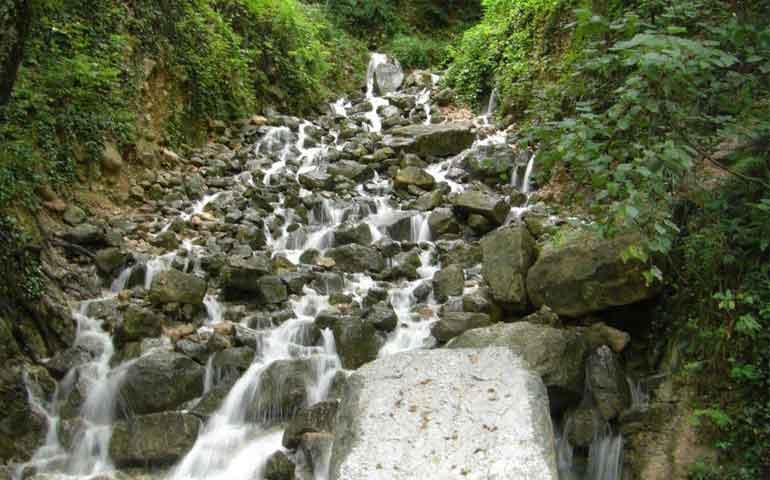 آبشاری به زیبایی یک رویا/آب پری بکرترین جاذبه شهر نور+تصاویر