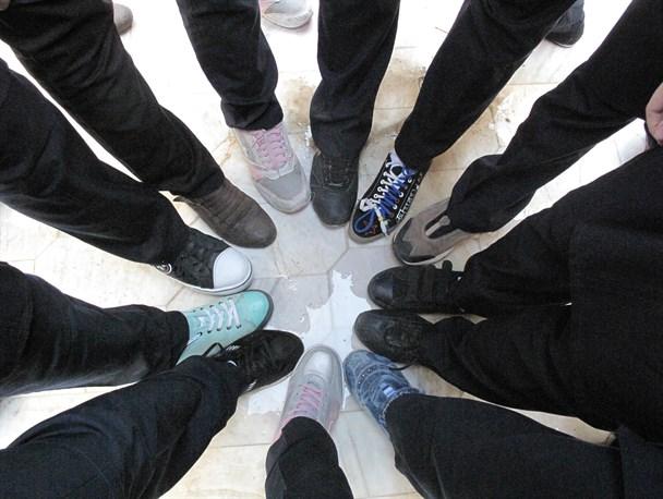 مناسب ترین کفش برای دانش آموزان/عوارض پوشیدن کفش اسپرت بر سلامت نوجوانان