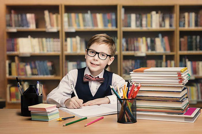 چگونه فرزندتان را به درس خواندن علاقه مند کنید؟