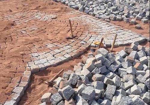هزینه گزاف شهرداری منطقه 2 برای سنگ فرش کردن یک خیابان در روزگار بی پولی