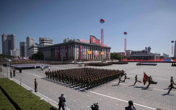 برگزاری مراسم رژه نظامی در کره شمالی