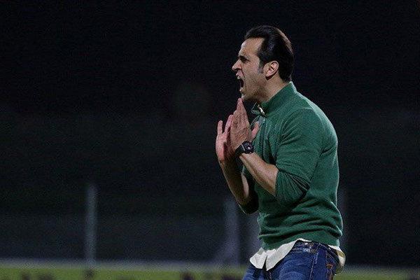 کیفر خواست شاکی علی کریمی صادر شد/جادوگر دادگاهی می شود