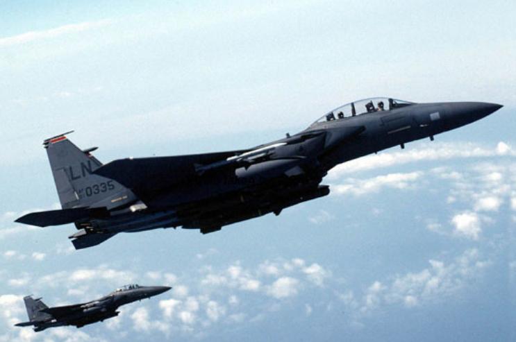 حمله جنگندههای اف-۱۵ آمریکا به دیرالزور سوریه