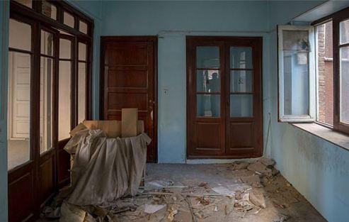 مالک خانه نیما یوشیج به دنبال راهی برای تخریب خانه است