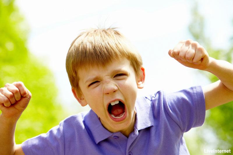 چگونه تغییر رفتار های نامطلوب کودکمان را اصلاح کنیم؟