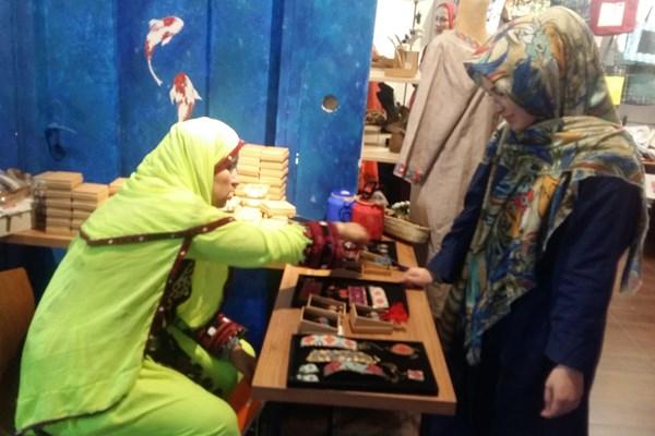 شیرزن بلوچستانی که غریب  آباد را به دیار آشنایی مبدل کرد