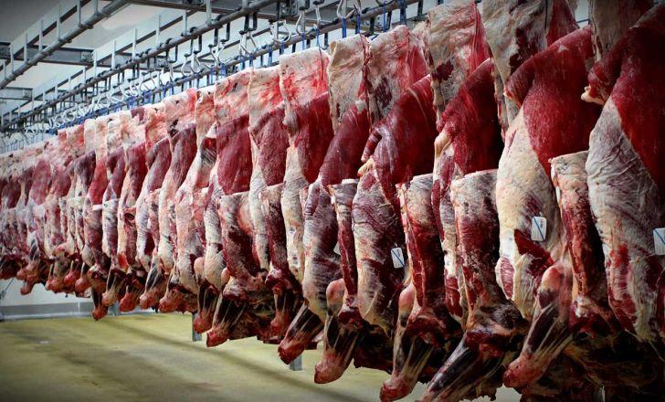 روزانه ۱۲۰ تن گوشت وارد تهران میشود/ توزیع گوشت در سوپر مارکتها ممنوع است