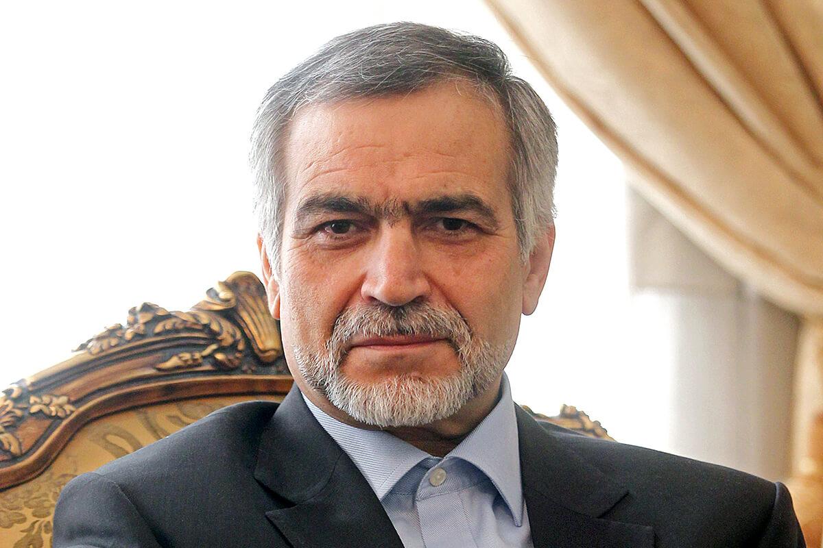 پشت پرده برگزاری دفاع «حسین فریدون» در پردیس اکباتان/ اصرار بر دفاع از رساله حاشیهدار