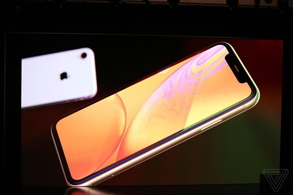 مراسم رونمایی از آیفونهای 2018 /همه مشخصات و ویژگیهای آیفونهای رونماییشده اپل را اینجا بخوانید