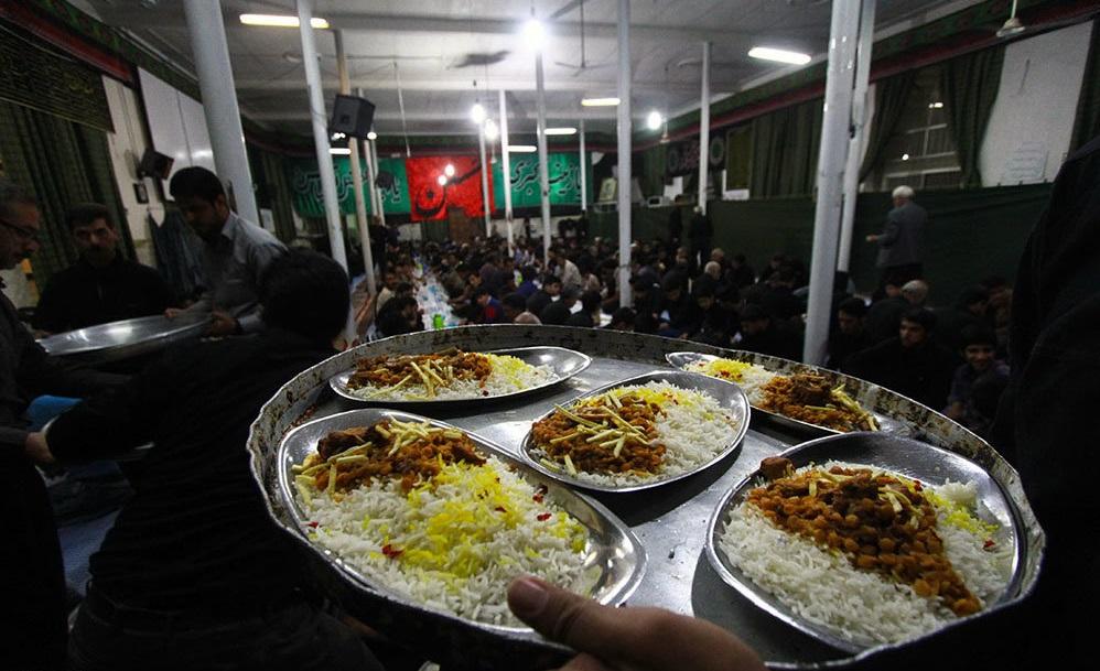 نذری دادن روایتی از عشق ودلداگی/سنتی که در تار وپود فرهنگ ایرانی به چشم میخورد