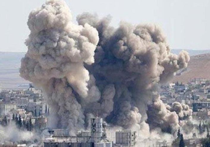 حمله هوایی متجاوزان سعودی به انبار «برنامه جهانی غذا» در الحدیده