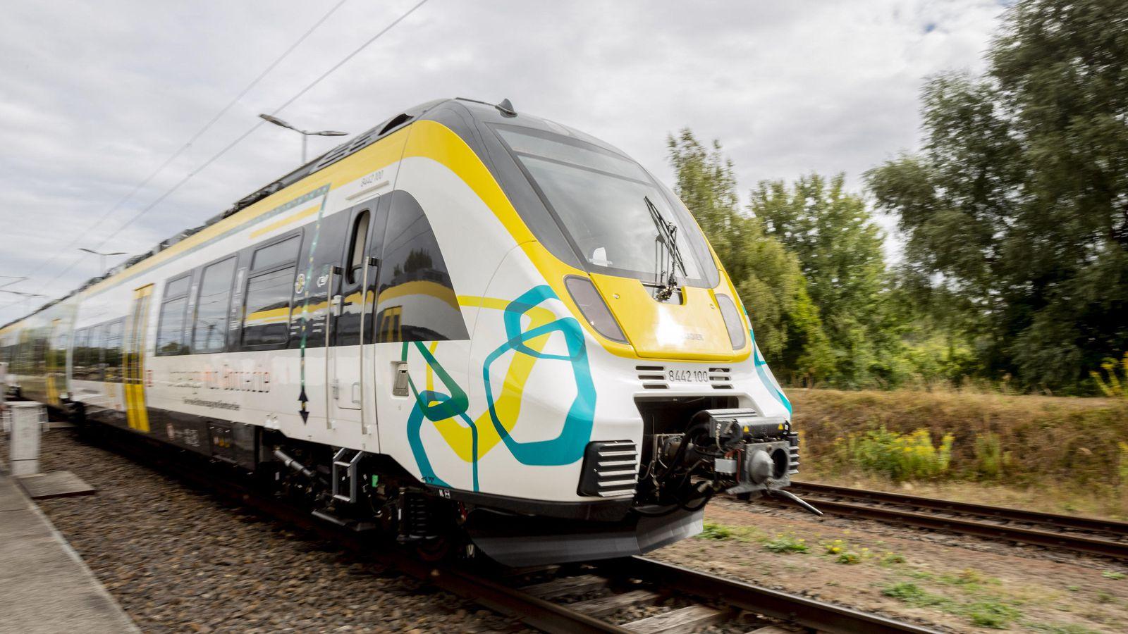 اولین قطار هیبریدی دنیا در راه است