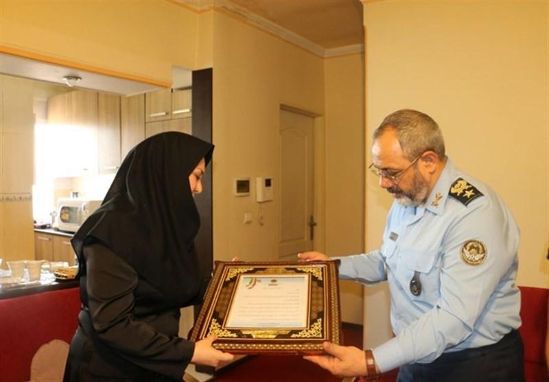 فرمانده نهاجا با خانواده شهید فتاحی دیدار کرد