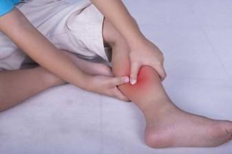 علت گرفتگی عضلات پا  هنگام خواب چیست؟