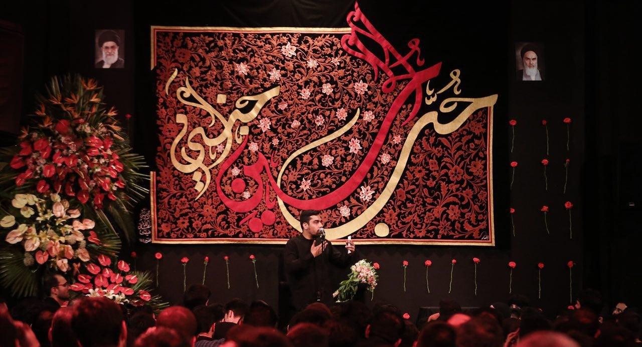 گزارش تصویری مراسم عزاداری شب ششم محرم ۹۷/ حضور هنرمندان و چهرههای سیاسی در هیئت