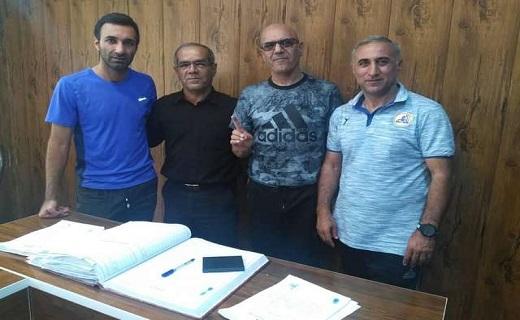باشگاه خبرنگاران -ثبت قرارداد سرمربی تیم فوتبال  نفت مسجدسلیمان