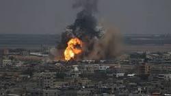 حمله موشکی به صنایع نظامی ارتش سوریه در لاذقیه + فیلم