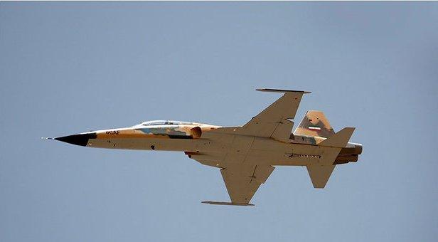 رژه تمرینی هوایی جنگندههای ارتش و سپاه برگزار شد