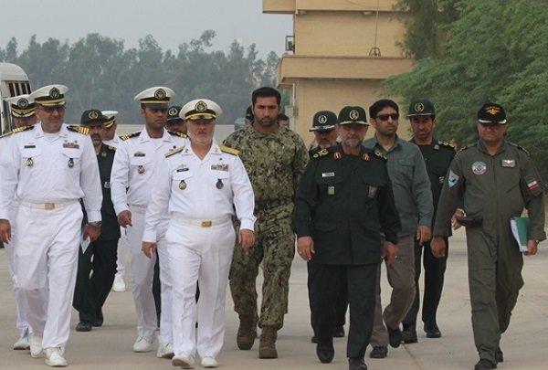 فرماندهان نیروی دریایی ارتش و سپاه از هوادریای بوشهر بازدید کردند