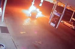 آتش سوزی عمدی در پمپ بنزین + فیلم