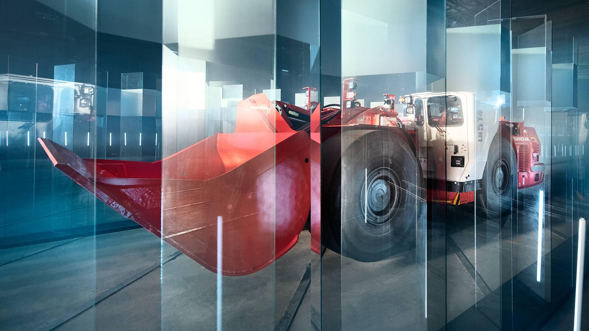 لودر بدون راننده، دستاور جدید صنعت خودروسازی + تصاویر