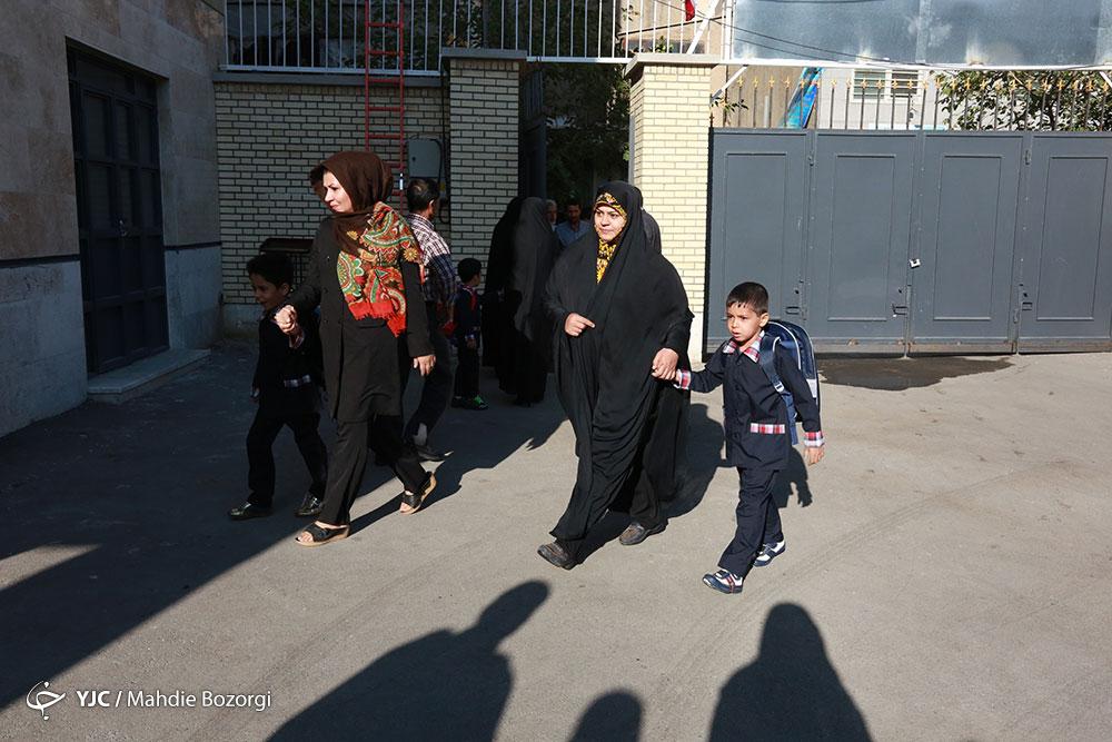 گامهای کوچک برای فتح اهدافی بزرگ/ آرزوهای کودکانهای که پشت درهای مدارس جا خشک کردهاند