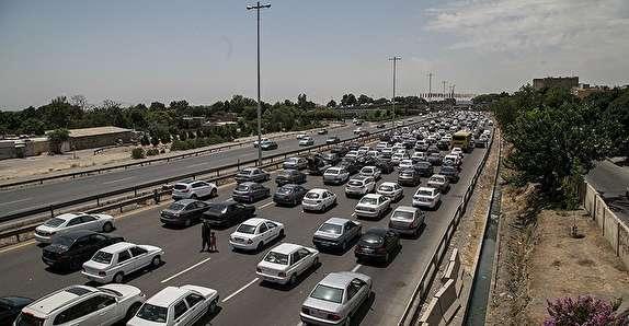 باشگاه خبرنگاران - ترافیک پرحجم در اکثر محورهای استان زنجان/واژگونی پژو پارس منجر به مرگ راننده آن شد