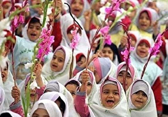 باشگاه خبرنگاران -برگزاری جشن شکوفهها در خرم آباد