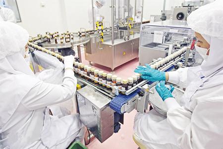 بازگشت سرمایه در داروسازى به ٥٧٠ روز رسیده است/ نگران تحریمها نیستیم/ ایران در داروهاى بایوتک در بین ١٠ کشور اول دنیاست