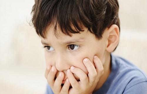 چگونه میتوان اضطراب کودک را برطرف کرد؟