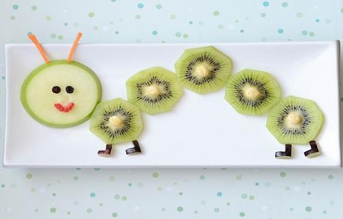 با کودکانی که میوه نمیخورند چیکار کنیم؟