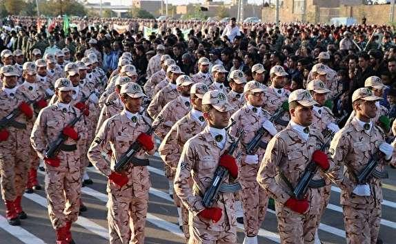 باشگاه خبرنگاران -رژه مشترک نیروهای مسلح در اردکان +تصویر