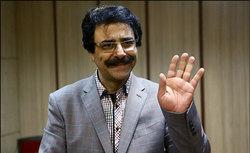 علیرضا افتخاری از دلایل خانهنشینیاش گفت/فراموش شدم و هیچ عزیزی سراغی از ما نمیگیرد