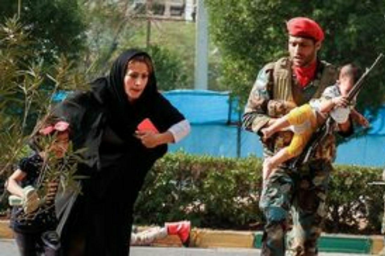 توجیه خبرنگار بی بی سی درباره عدم استفاده از لفظ تروریست+ عکس