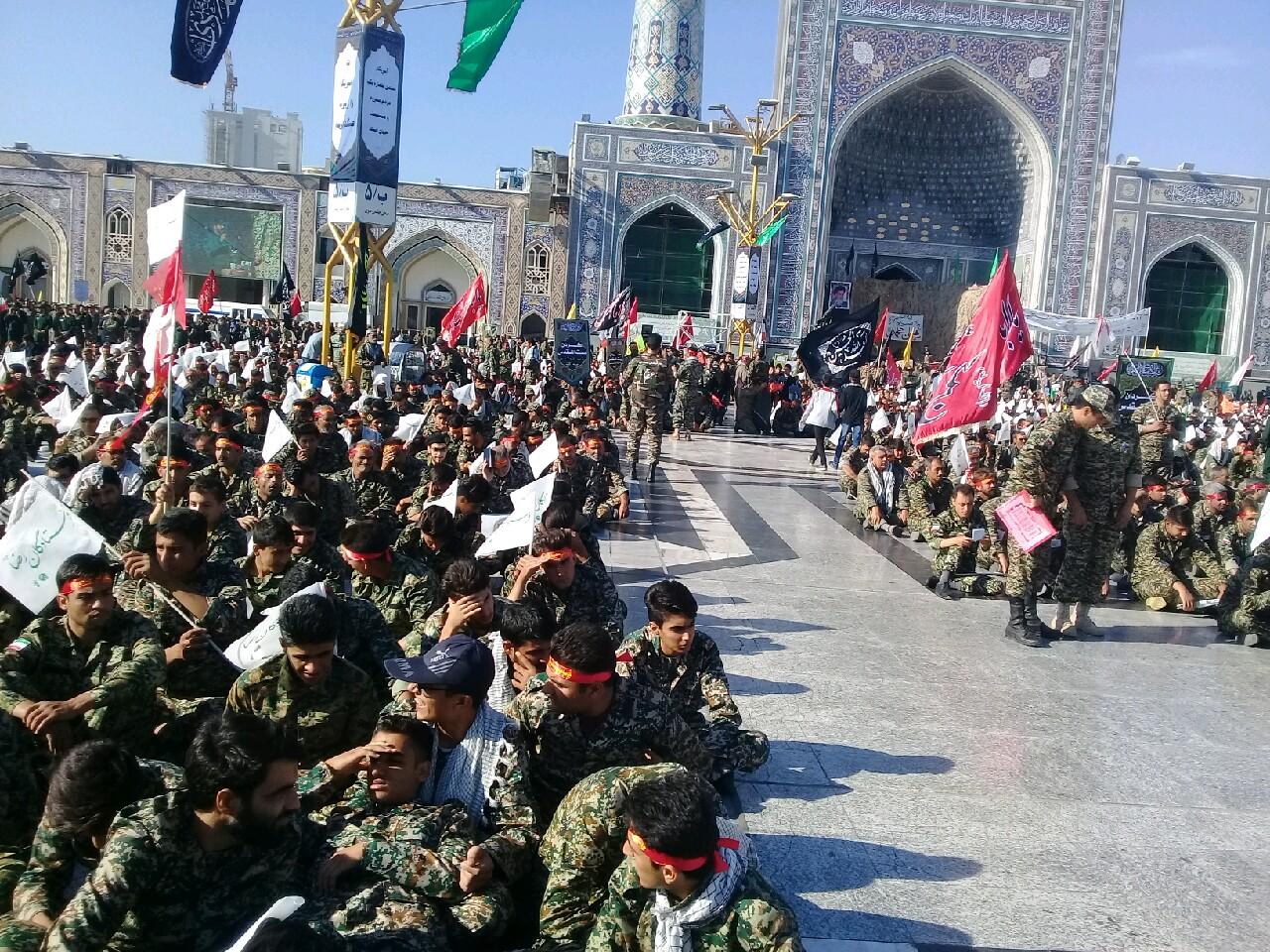تجمع باشکوه ۳۶ هزار بسیجی در حرم مطهر رضوی + تصویر