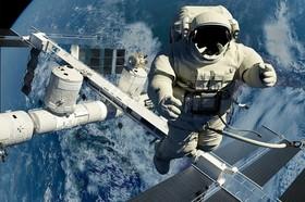 فضانوردان چقدر حقوق میگیرند؟