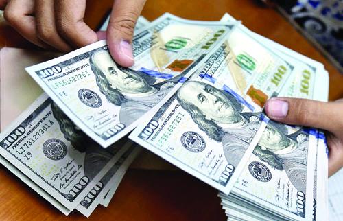 از کجا دلار بخریم؟ چند بفروشیم؟