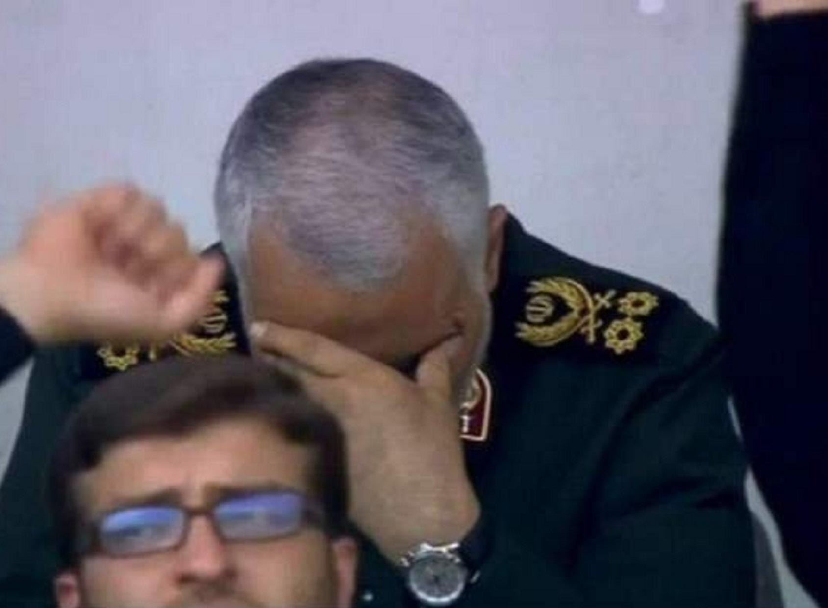 کدام جمله دیروز رهبرانقلاب، اشک حاج قاسم را درآورد؟