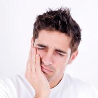 فرق دنداندرد با حساسیت دندانی از ساییدگی مینای دندان است