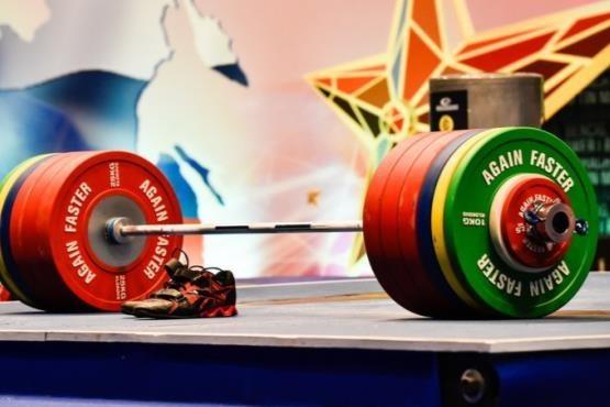 مختاری و عظیمی مدال های طلا و نقره پرتاب وزنه را کسب کردند