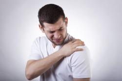 نشانه هاتبی شبیه به آنفولانزا، احساس خستگی، خشک شدن گردن و احساس درد