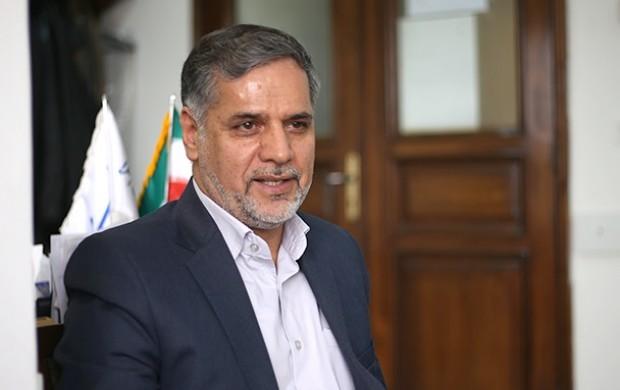 آمریکا از نظر قانونی حق بلوکه کردن اموال ایران را ندارد/ بانک مرکزی باید برای انتقال اموال کشورمان تدبیری انجام دهد