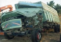 انحراف به چپ کامیون 7 کشته و مجروح بر جای گذاشت