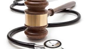 پزشکان منشور حقوقی و کدهای اخلاقی مصوب ندارند/ پزشکان به خوبی تربیت نمیشوند