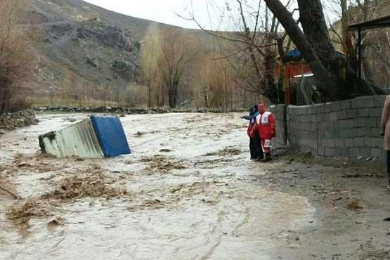 درخواست اعتبار ۲۷۰ میلیاردی برای بازسازی راه های ۴ استان سیل زده